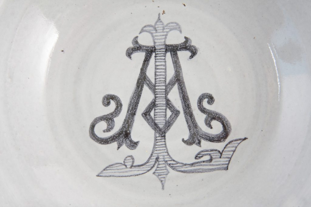 Hand painted monogram - AL.