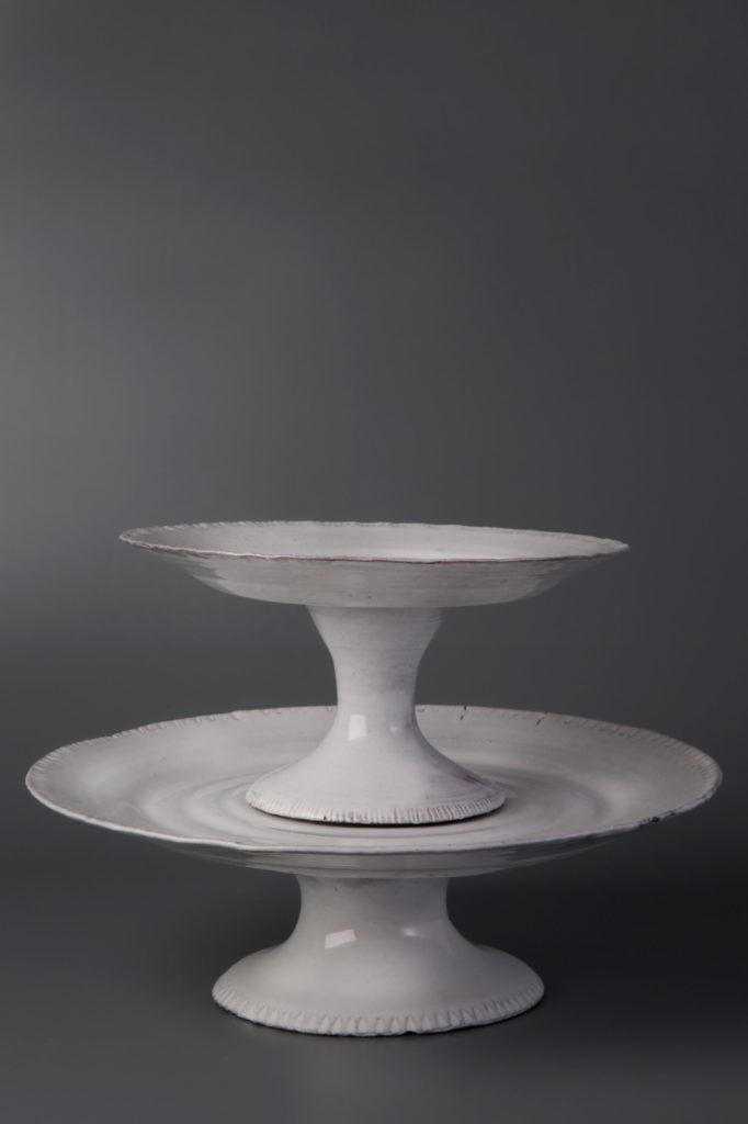 Footed dish M. € 135.00 Footed dish L. € 150.00